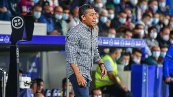 El Huesca dice adiós a Nacho Ambriz: lo destituye como entrenador