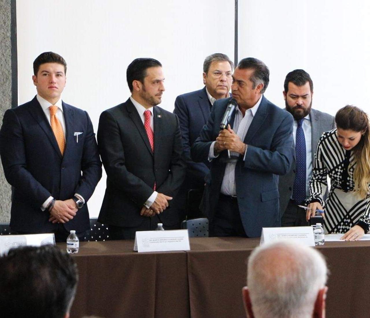 Familiar del 'Bronco' pedía 'moches' de 2 mdp mensuales a casinos, acusa Samuel García