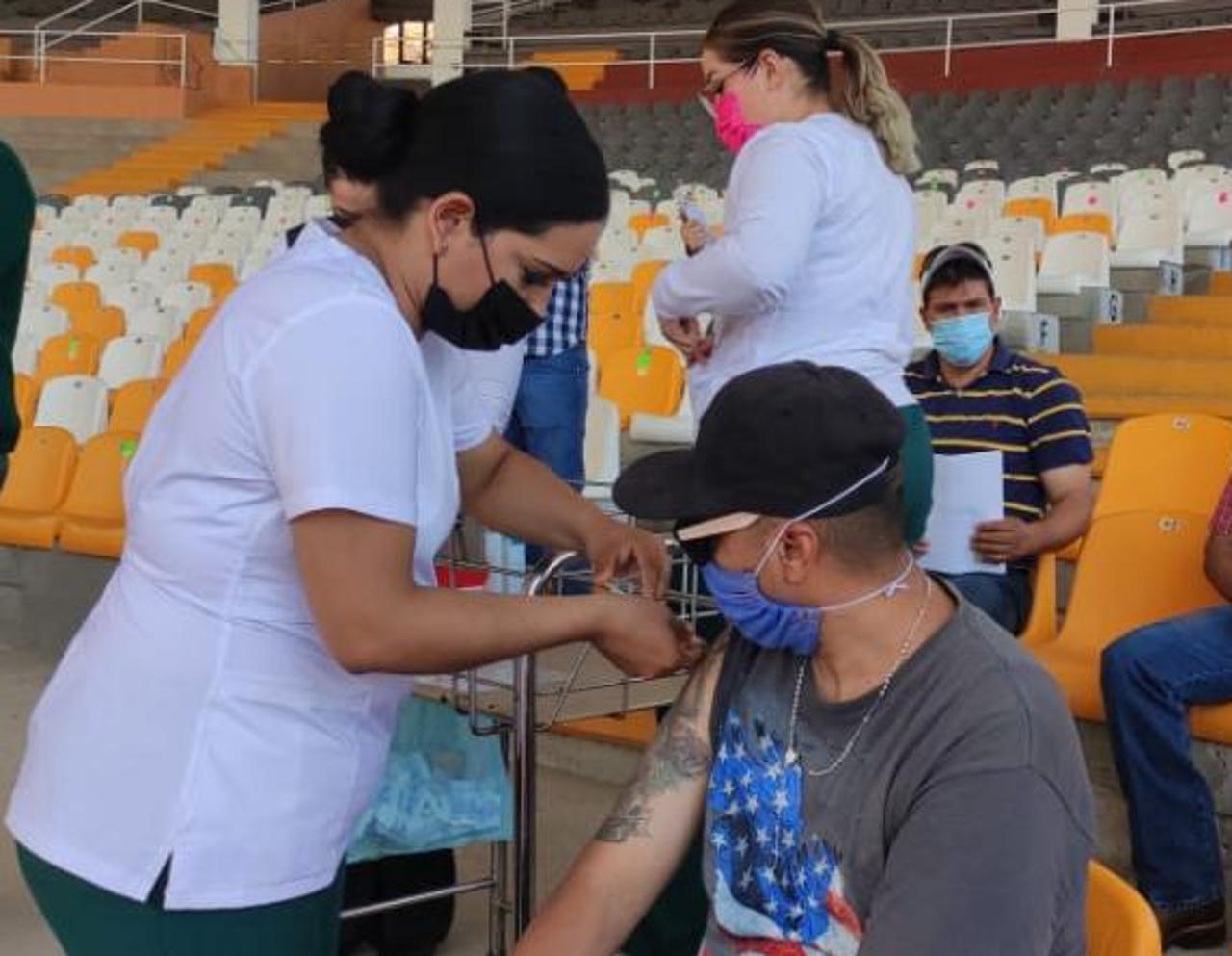 ¡Va el piquete! Toca segunda dosis a los de 18 a 29 en Querétaro capital