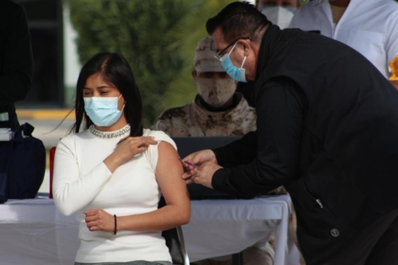 Monterrey vacuna a rezagados de 18 a 29 años y segunda dosis de Moderna