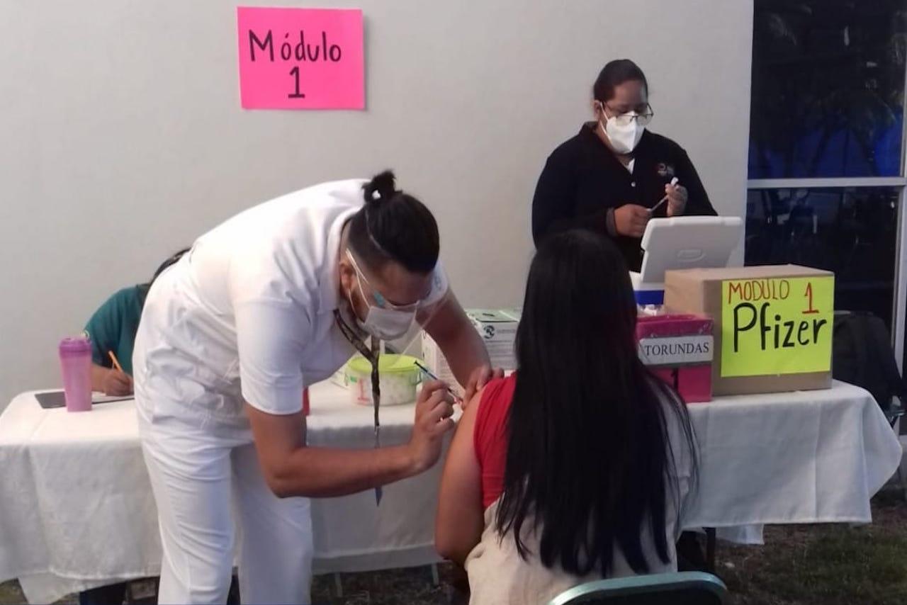 Puebla inicia mega jornada de vacunación a los de 18 a 39 años, y embarazadas