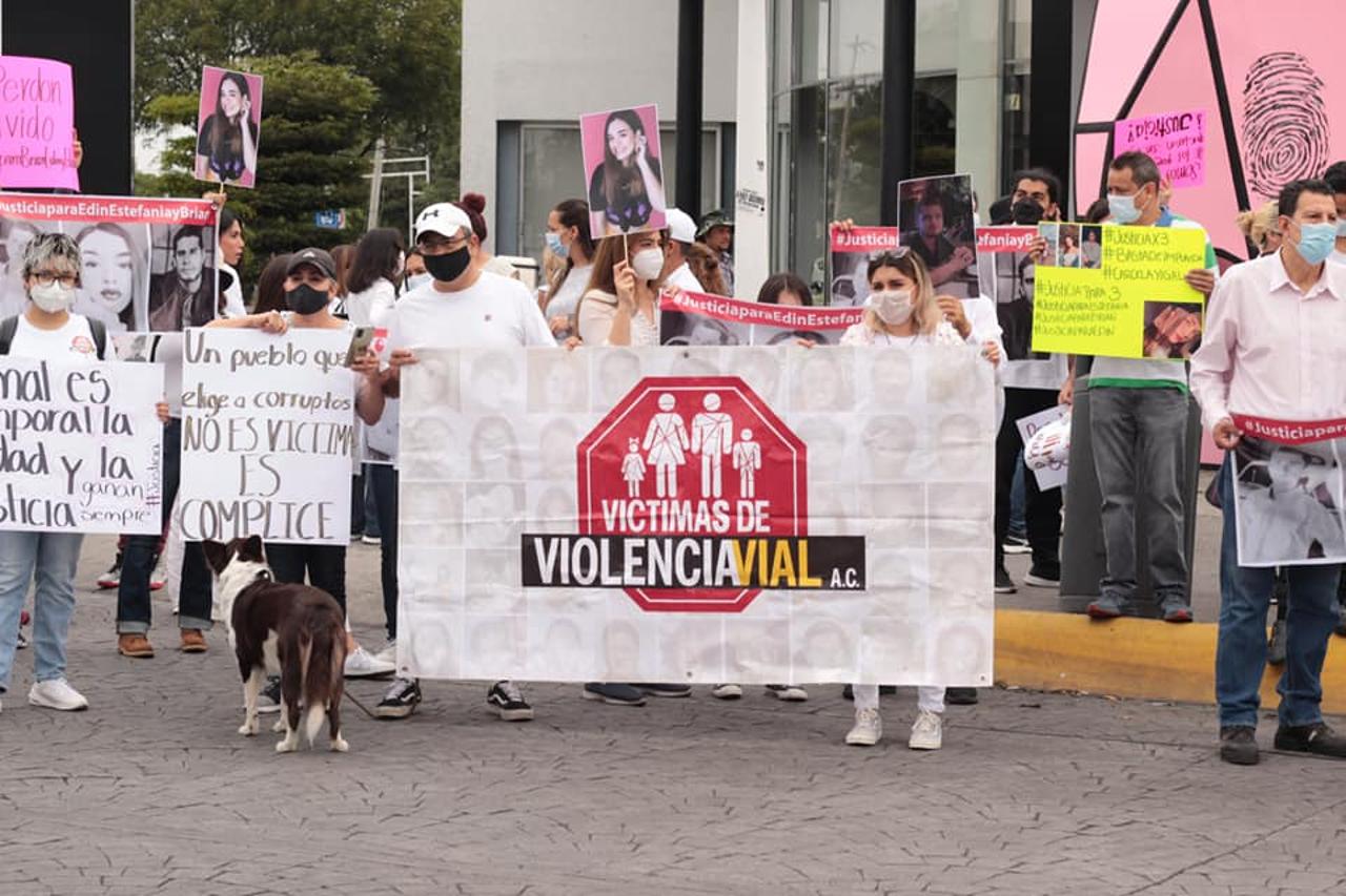 Justicia para Estefanía, Brian y Edin: La muerte de tres jóvenes en un choque indigna a Jalisco